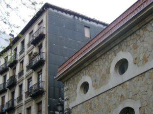 (Antes 2) Aislamiento y reforma de fachada en Bilbao. Smark Studio.