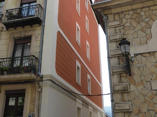 (Después 1) Aislamiento y reforma de fachada en Bilbao. Smark Studio.