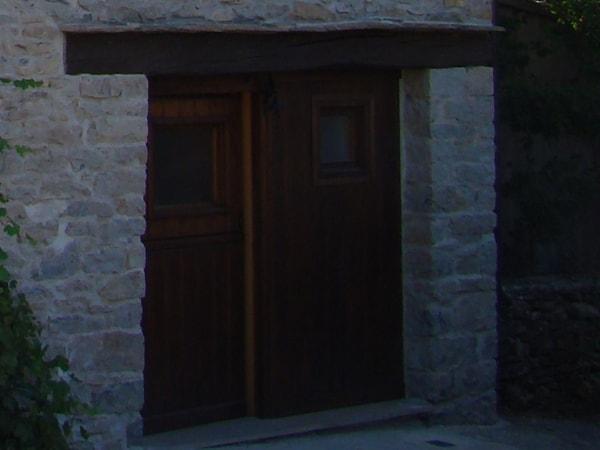 Detalle de puerta, rehabilitación de pajar. Smark Studio.